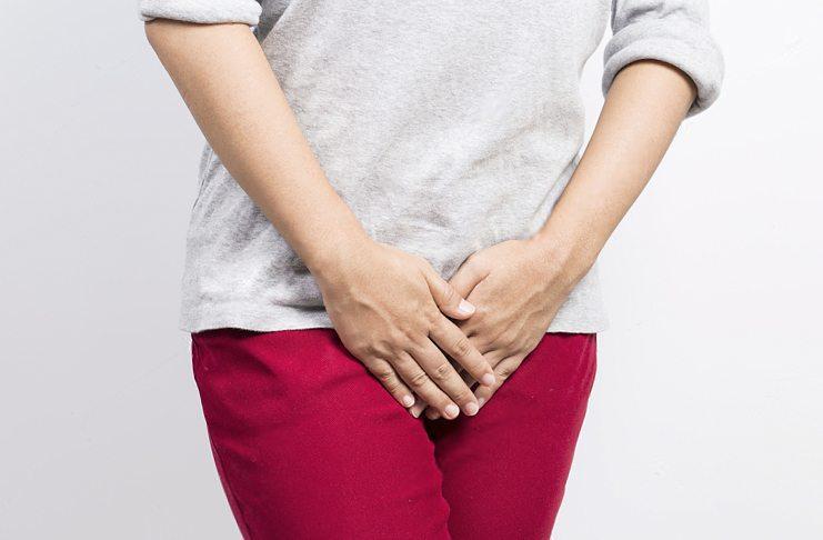 недержание мочи при климаксе лечение