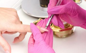 Наращивание ногтей во время месячных