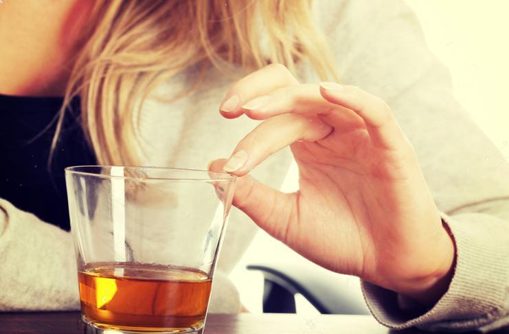Пить во время месячных